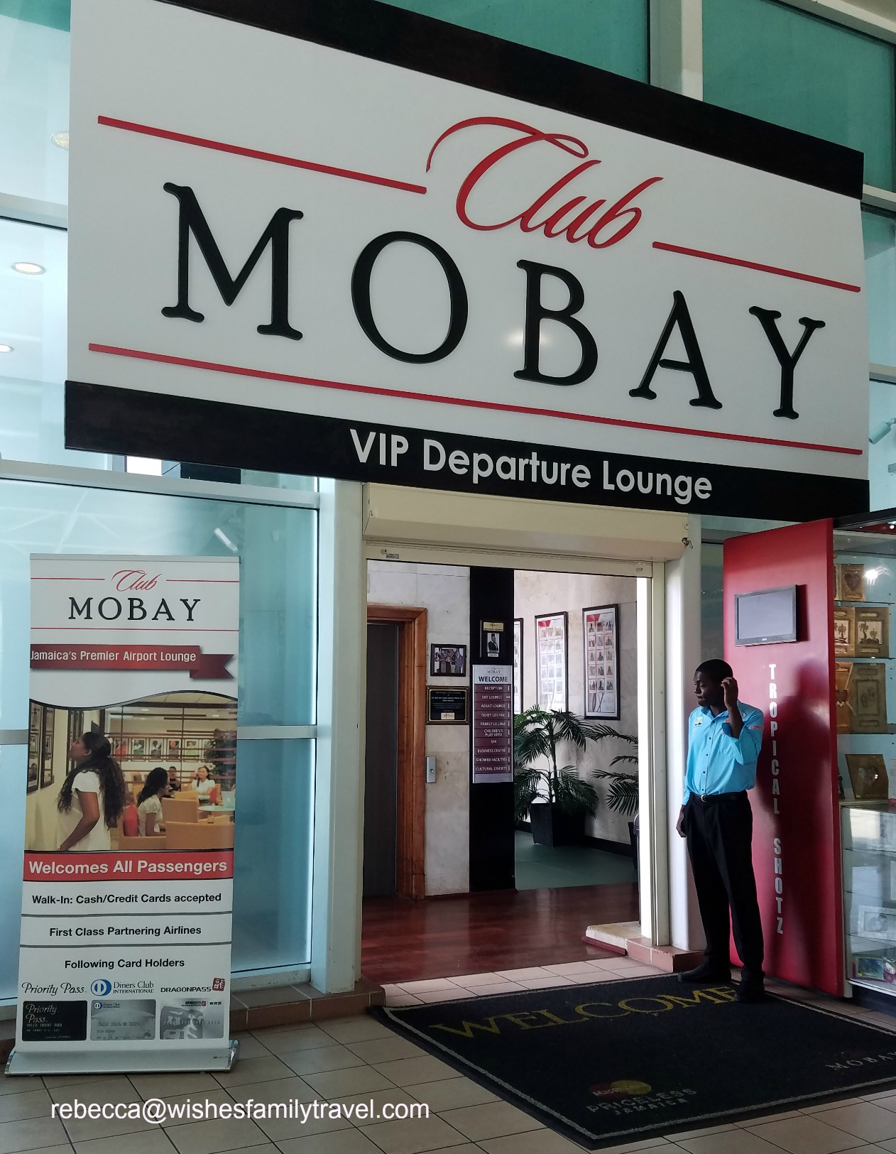 Club_MoBay_departure_lounge